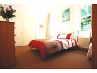 West Hampstead - Very Large Classic Double Room in Victorian House