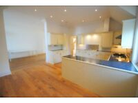 Stunning three bedroom penthouse to rent in Westbourne with PARKING!