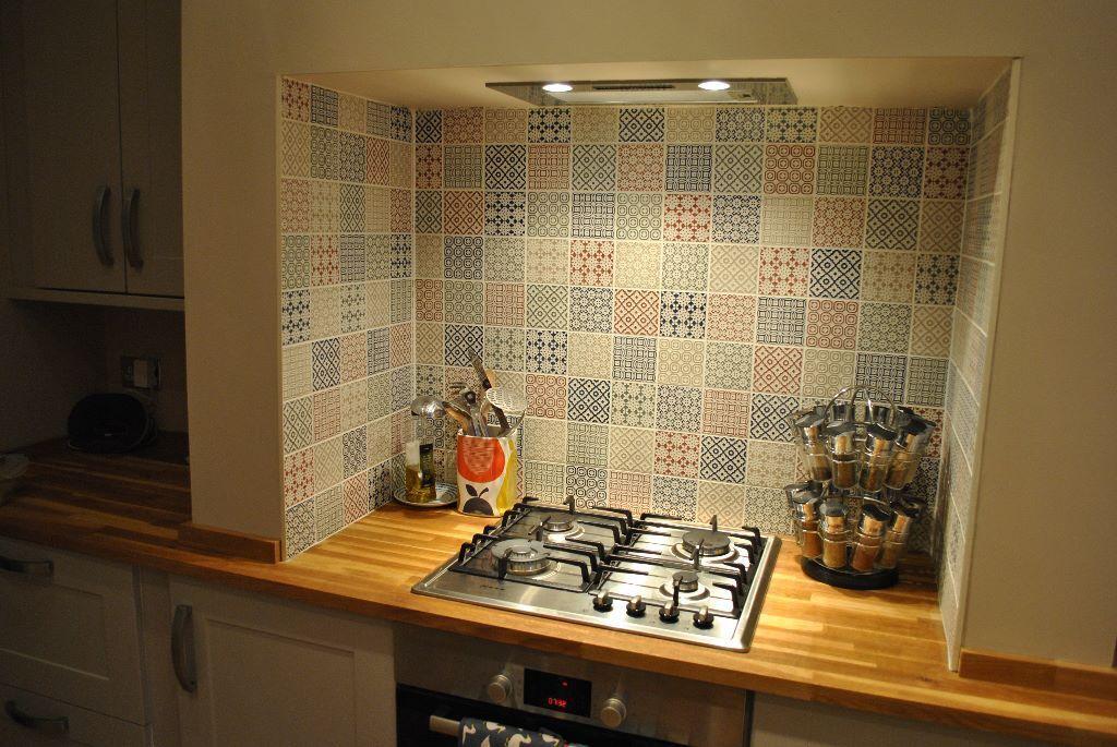 Encaustic Patchwork Tiles Batik Topps 4 Colours 5 Patterns