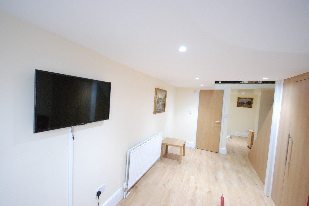 BRAND NEW ONE BED FLAT - FINCHLEY ROAD - WEST HAMPSTEAD - NW3