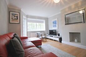Amazing 3 bedroom Apartment for rent: Ealing Village, Hanger Lane, W5 2EB
