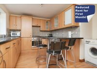 Bright 2 bed ground floor flat with large lounge and modern kitchen - available in February 2021!