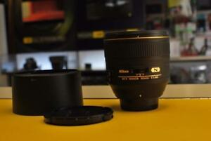 Nikon AF-S 85mm f1.4 G    ( high-end f/1.4 prime)