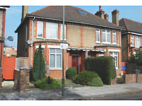 THREE BEDROOM | TWO BATHROOM | SEMI-DETACHED HOUSE | TO LET | EGERTON GARDENS | HENDON NW4