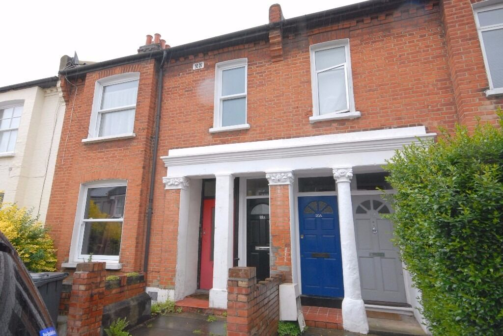 Well presented two double bedroom garden maisonette on Wingford Road