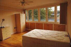 2 Modern En Suite Rooms in Shoreditch + Lounge