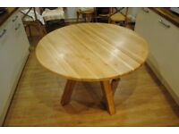 Solid Oak Round Kitchen/Dining Table