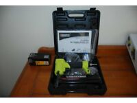 Air operated nail or staple gun kit with 5000 dewalt nails