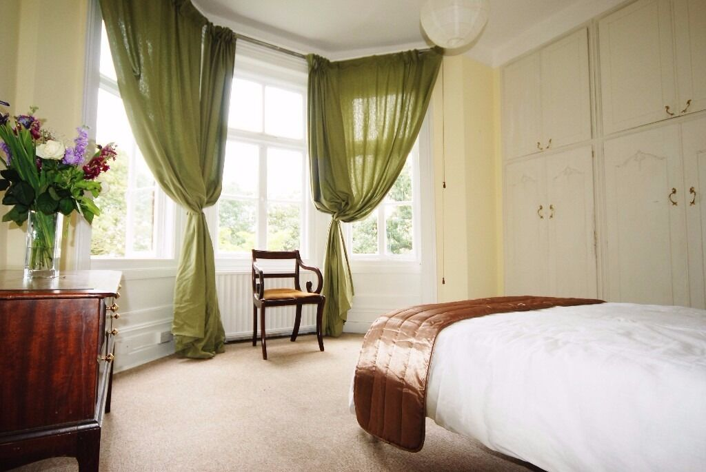 Exceptional, Large Double Room in a Renovated Flat - West Hampstead
