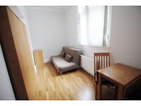 Bright studio near Bayswater/Queensway for £300pw *ALL BILLS ARE INCLUDED*