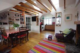 Bright top floor 2 bedroom flat in Stonehaven