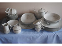 noritake dinner and tea set in perfect condition