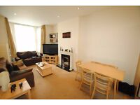 A spacious one bed flat with open plan kitchen and garden close to North Finchley High Road