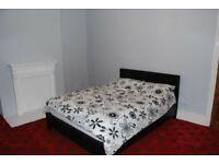 Large Double room available in large 3/4 bedroom terraced house SE18 3ER Shooters Hill / Woolwich
