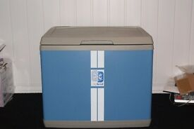 NEW LARGE PORTABLE FRIDGE FREEZER BOX IDEAL FOR HOME, CAR OR HOLIDAY CAN DELIVER