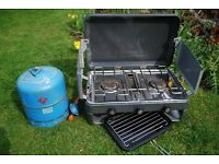 Camping cooker with gas