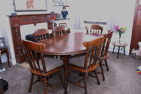 quality dark mahogany dining table with 6 chairs excellent condition