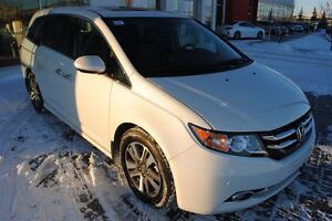 2016 Honda Odyssey Touring *No Accidents, Extended Warranty*
