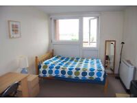 Lovely and bright large double room,everything included-camden rd-holloway