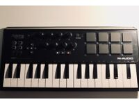 M-Audio Axiom AIR Mini 32 - USB MIDI Keyboard Controller with Eight Trigger Pads