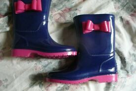 Childrens Wellington boots Pink & Blue Size 11 As new..... indoor wear only