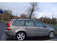 Volvo V50SE. Very smooth 5 cylinder engine. Excellent condition. MOT'd to December 2016.