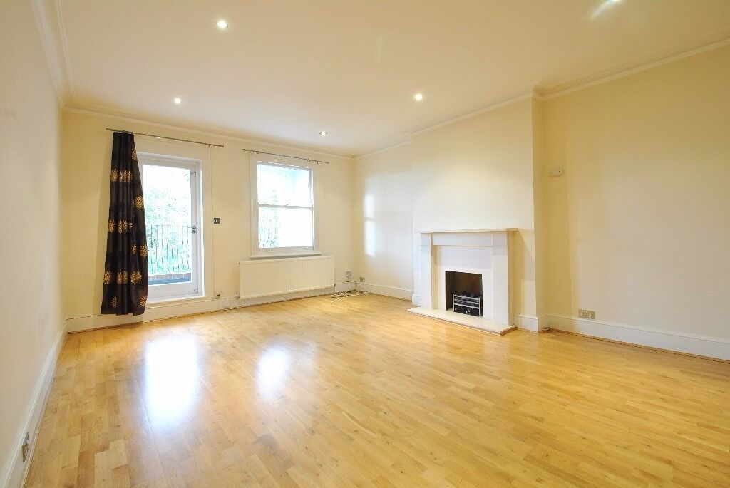 Langland Gardens - superb three bedroom 2 bathroom 2nd floor flat offered on an unfurn or part furn