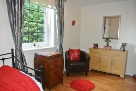 STRATHAVEN. LARGE 2 BED GARDEN FLAT. IMMACULATE. MOVE IN CONDITION. ONLY 2 FLATS IN PRIVATE BLOCK