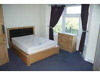 LARGE, SUNNY, WARM, CLEAN & SAFE, DOUBLE BEDROOM IN SHARED HOUSE IN QUIET LOCATION. NEWPORT/CAERLEON