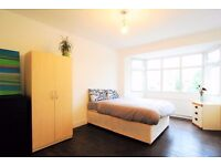**Cricklewook** Charming Large Double Room