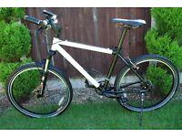 """Mountain Bike SMITH & WESSON 18"""" frame"""