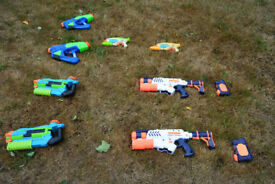 Set of 8 Water Guns