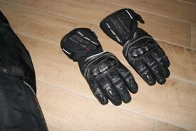 RST motorcycle gloves