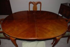 Solid Wood Cherry Dinning and 6 chairs - excellent condition