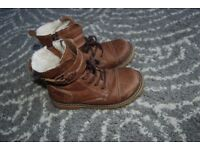 Winter kids boots size 10 UK (28) Leather from Lasocki