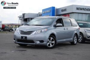 2017 Toyota Sienna LE, NO ACCIDENT, PWR SLIDING DOORS