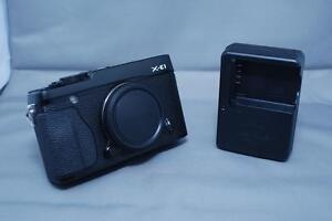 Fujifilm X-E1 Mirrorless DSLR (Body)