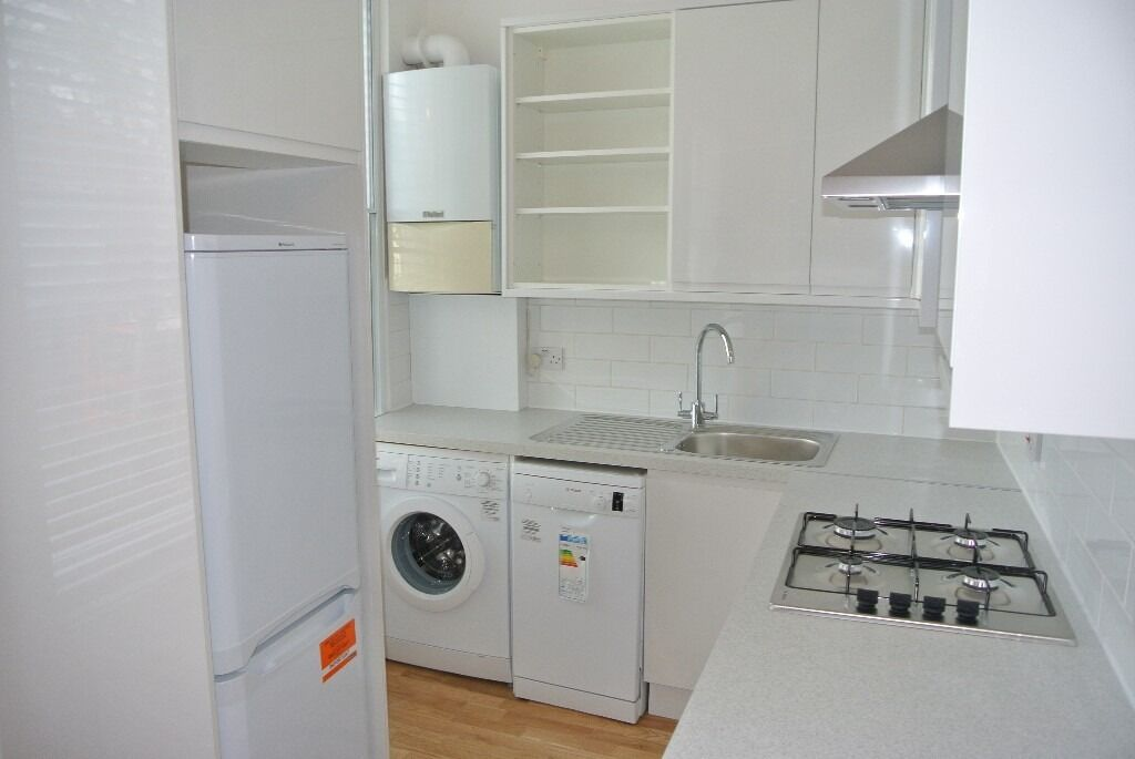 Newly renovated, 1 double bedroom period apartment close to Lambeth North and Waterloo