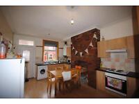 5 bedrooms in 48 Estcourt Avenue, Leeds, LS6 3ET