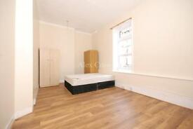 3 bedroom flat in Muswell Hill Broadway, Muswell Hill