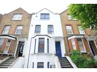 1 Bedroom Apartment in Period Conversion.. DALSTON Available August 2016