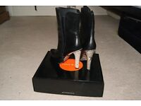 KAREN MILLEN SIZE 6 BLACK BOOTS WITH SNAKESKIN HEEL ONLY WORN ONCE