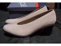 Arche Milo Lina Court Shoe in Nubuck Leather