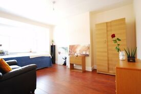 New, Unfurnished 3 Bed House in Criklewood, NW2 *
