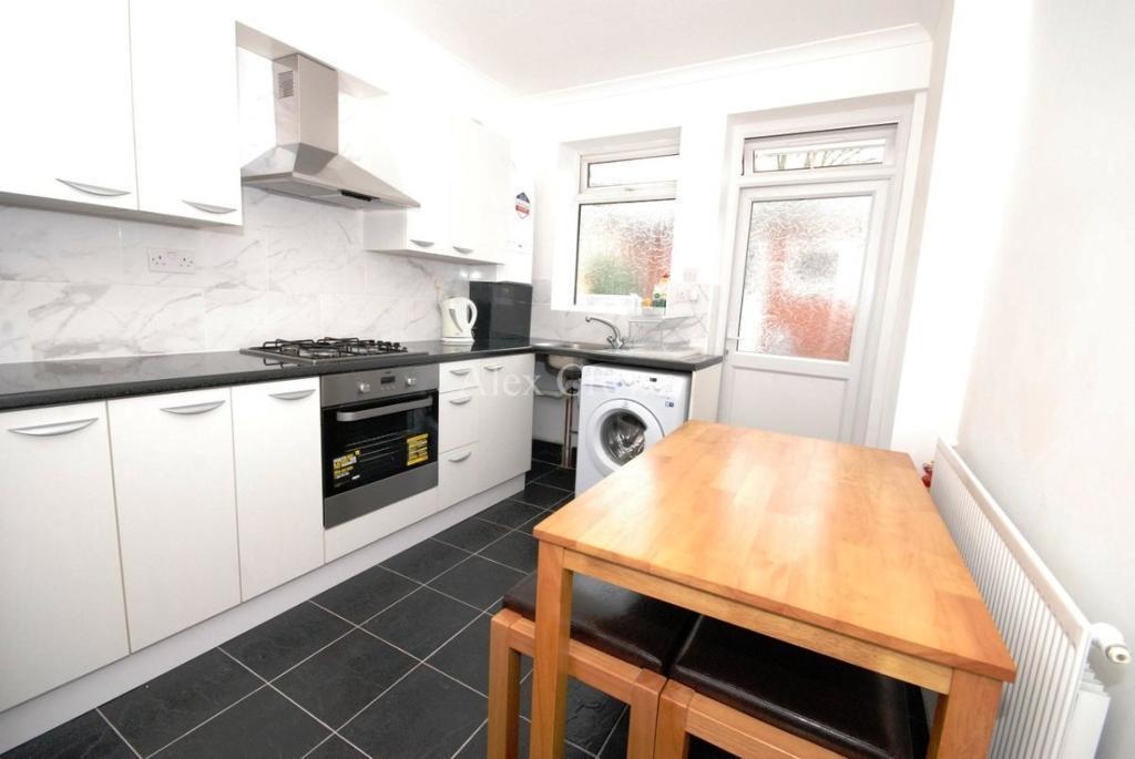 1 bedroom in Stewart Road, Leyton