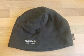REGATTA Unisex Fleece Large Black Hat | Great Outdoors | Winter Cold Warm Slouch Woolly Ski | Leeds