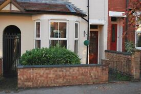 2 Bedroom House, Rugby,sought after location, very good decorative order.Close to train station