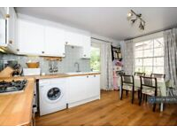 3 bedroom flat in Barnfield Road, Exeter, EX1 (3 bed) (#645275)