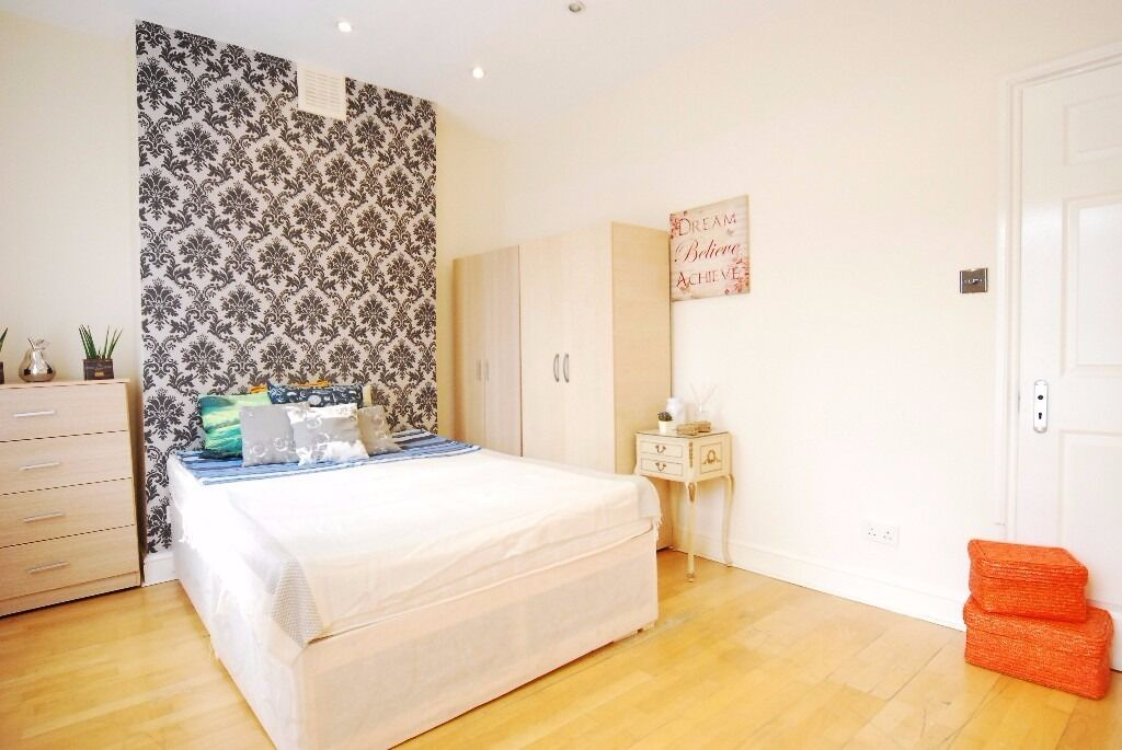 Central London, Zone 2 - Queens Park - Stunning Double Room