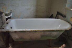 Vintage / antique enamelled cast iron bath